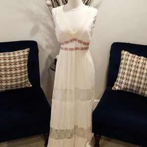 ❣BNWOT Flying Tomato Cotton and Lace Maxi Dress